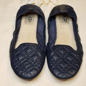 UGG > Isabella Ballet Foldable Flats Size 8